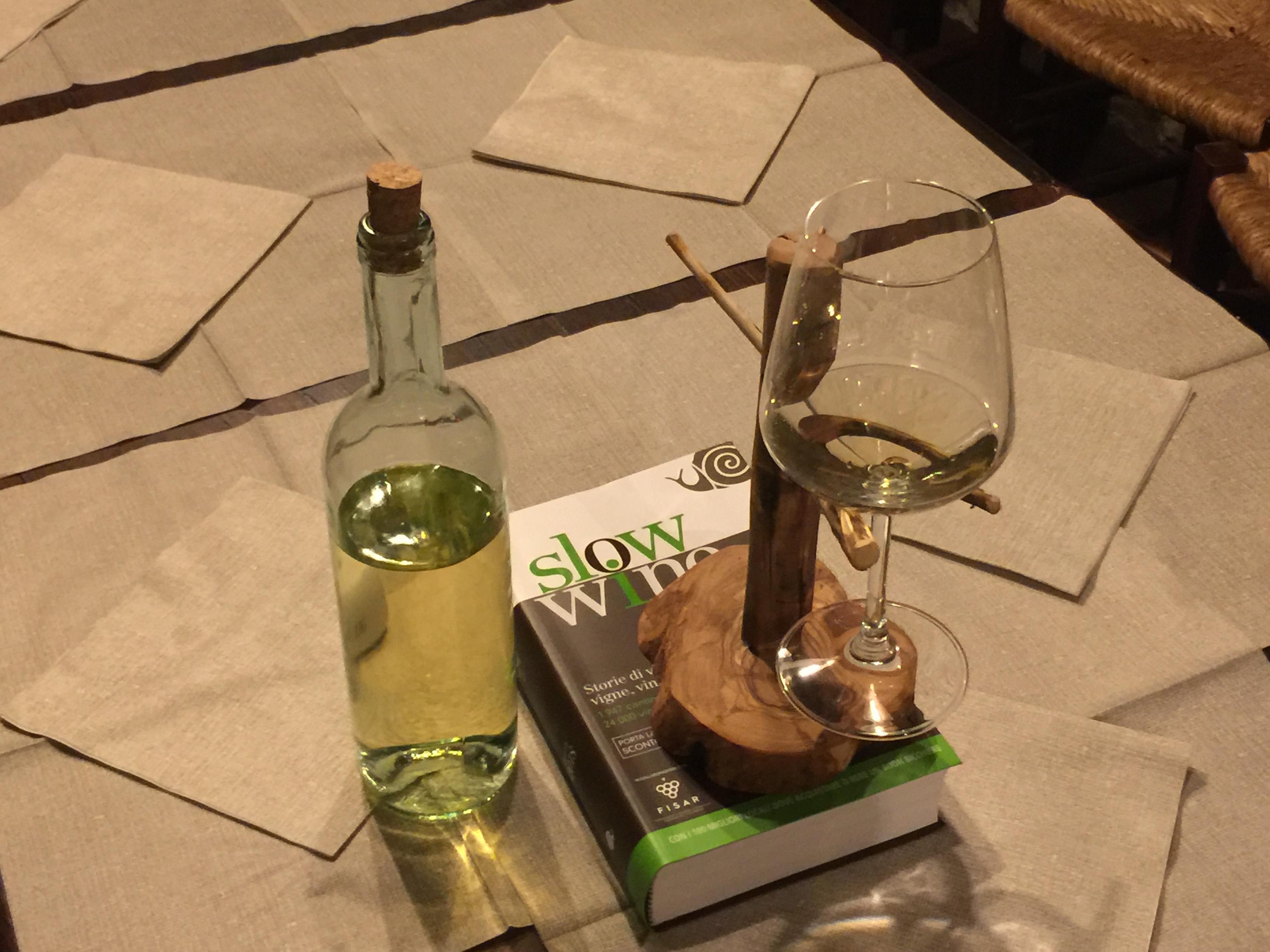 Nativo-ristorante-cantina-vino-bianco