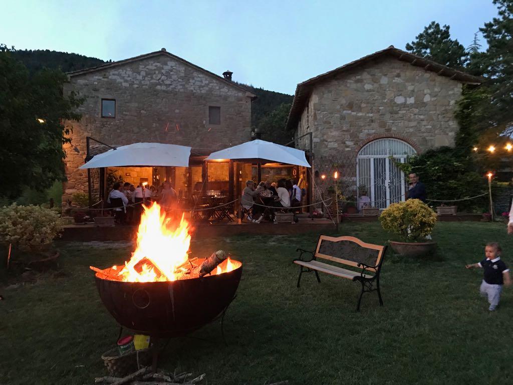 Villaggio-Nativo-ristorante-camere-falò-parco